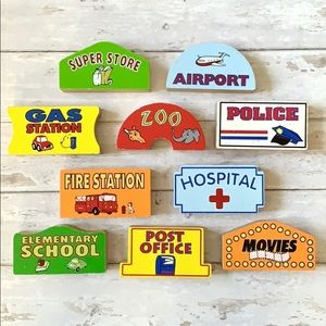 Wood Blocks Store Front Fire Station Hospital 10pc